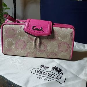 Coach wallet big